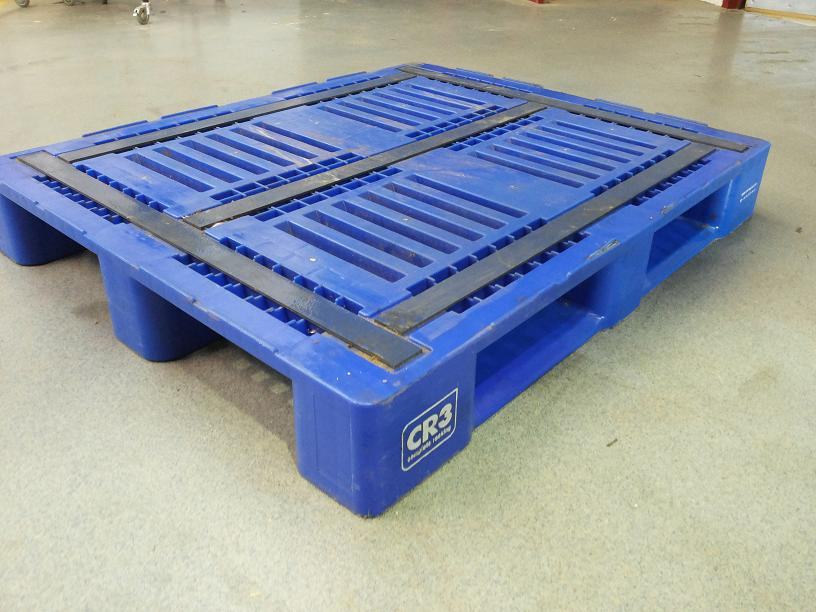 Schwer 100 × 120 plastic palette Last 1500 kg