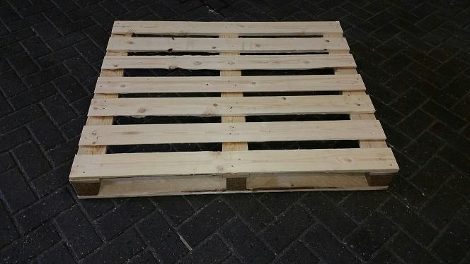 Neue Holzpaletten 100x120 HT