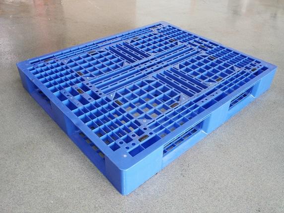 Gebrauchte 100x120 Kunststoffpalette umlauf