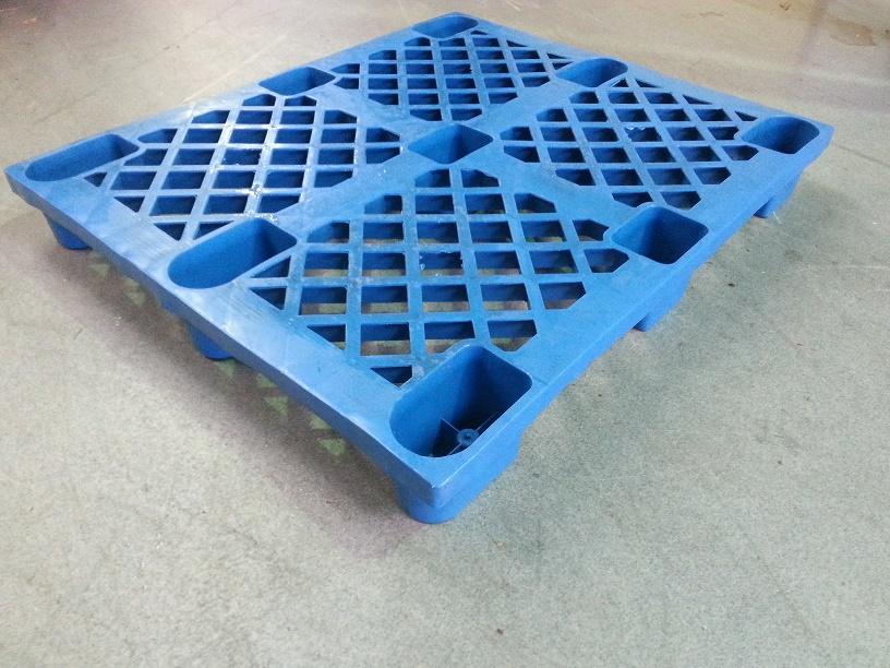 100x120 nestelbare Kunststoffpalette