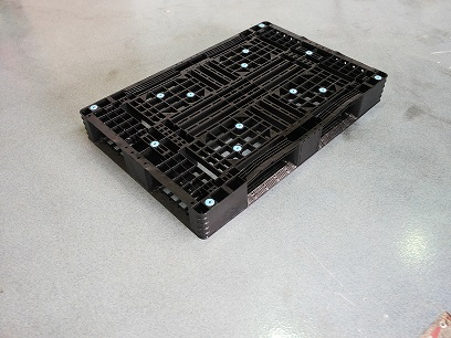 80 × 120 Kunststoffpaletten deck umgibt